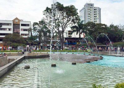 Parque el lago Uribe en Pereira. Comprar casa en Colombia